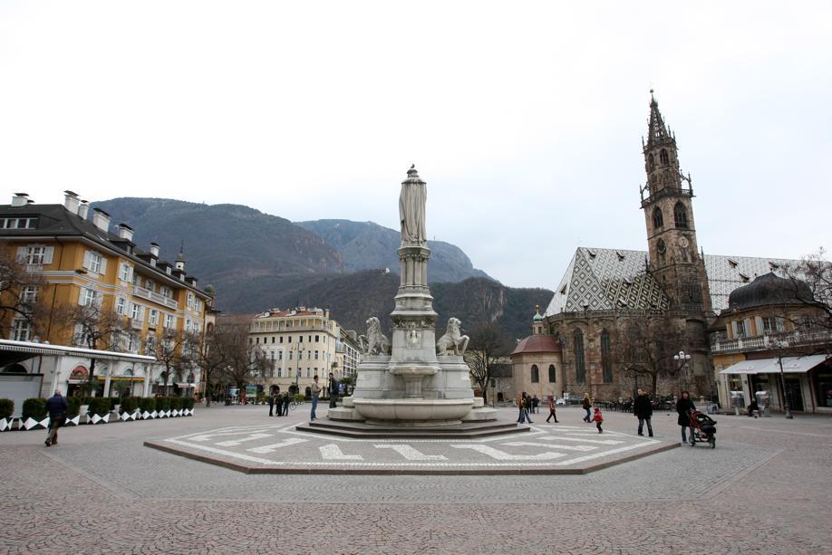 Centro storico di Bolzano, piazza Walther